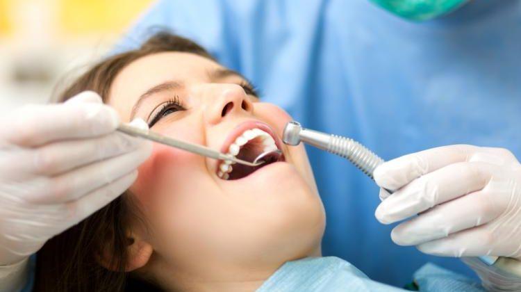 5 síntomas por los que acudir al dentista